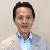 職業奉仕委員会委員長 横田 三郎